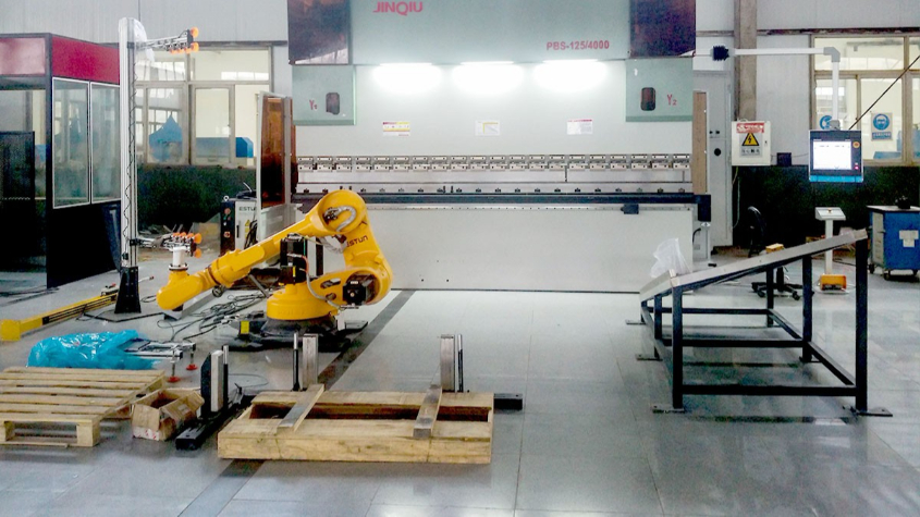 北京梦幻三星涂装设备技术开发公司之机器人折弯应用案例
